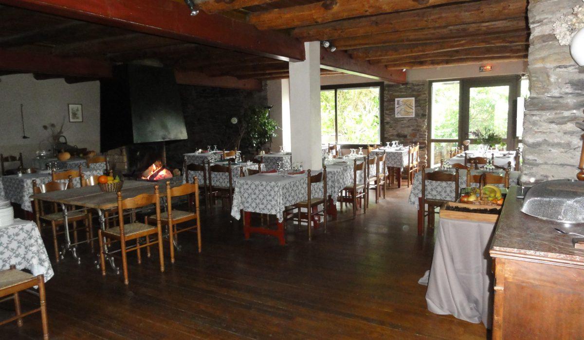Restaurant Saint Roman De Tousque